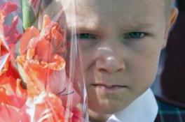 Ребёнок боится идти в школу – что делать?